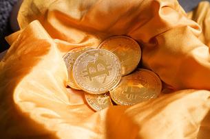 仮想通貨・ビットコインイメージの写真素材 [FYI04703723]