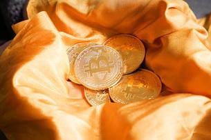 仮想通貨・ビットコインイメージの写真素材 [FYI04703725]