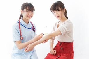 注射・予防接種の写真素材 [FYI04703907]