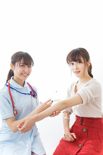 注射・予防接種の写真素材 [FYI04703911]