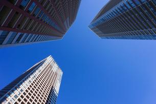 高層ビル・タワーマンションの写真素材 [FYI04704191]