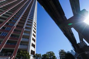 高層ビル・タワーマンションの写真素材 [FYI04704213]