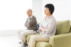 夫婦喧嘩・熟年離婚の写真素材 [FYI04704733]