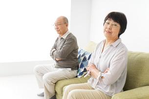 夫婦喧嘩・熟年離婚の写真素材 [FYI04704737]