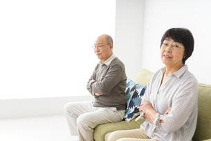 夫婦喧嘩・熟年離婚の写真素材 [FYI04704738]