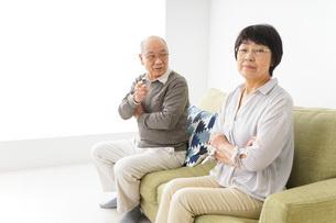 夫婦喧嘩・熟年離婚の写真素材 [FYI04704740]