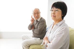 夫婦喧嘩・熟年離婚の写真素材 [FYI04704741]