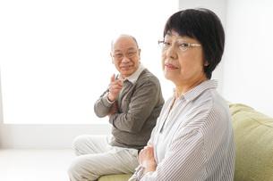 夫婦喧嘩・熟年離婚の写真素材 [FYI04704745]