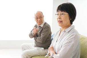 夫婦喧嘩・熟年離婚の写真素材 [FYI04704747]