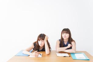 授業に退屈している学生の写真素材 [FYI04705928]