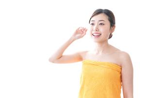 入浴後の女性の写真素材 [FYI04706215]
