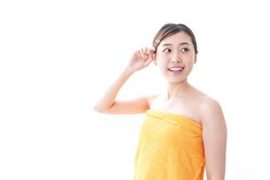 入浴後の女性の写真素材 [FYI04706218]