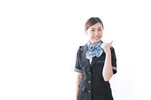 接客する女性の写真素材 [FYI04706347]