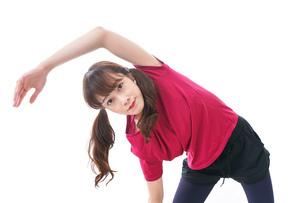 準備運動をする女性の写真素材 [FYI04706501]
