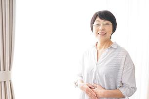 高齢の女性の写真素材 [FYI04707715]