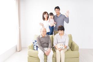 家族集合写真の写真素材 [FYI04707752]