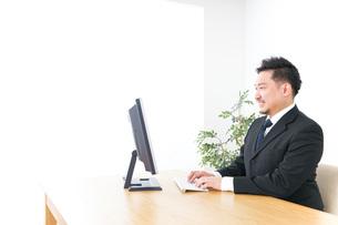 サラリーマン・会社員・社長・オフィスの写真素材 [FYI04708595]
