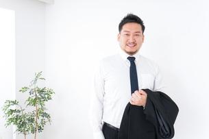 Businessman at officeの写真素材 [FYI04708858]