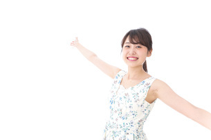 Beautiful young woman with smileの写真素材 [FYI04709043]