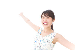 Beautiful young woman with smileの写真素材 [FYI04709044]