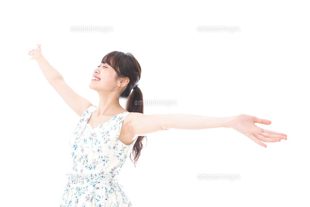 Beautiful young woman with smileの写真素材 [FYI04709048]