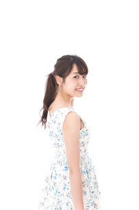 Beautiful young woman with smileの写真素材 [FYI04709061]