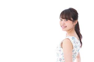 笑顔の若い美人女性の写真素材 [FYI04709068]