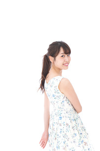 Beautiful young woman with smileの写真素材 [FYI04709076]