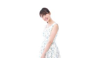 笑顔の若い美人女性の写真素材 [FYI04709081]