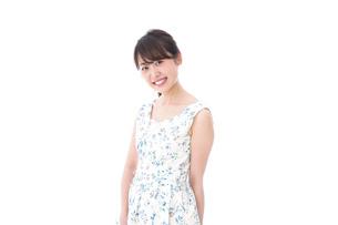 笑顔の若い美人女性の写真素材 [FYI04709083]