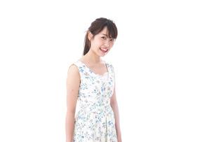 笑顔の若い美人女性の写真素材 [FYI04709085]