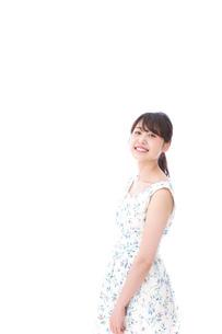 笑顔の若い美人女性の写真素材 [FYI04709100]