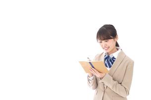 ノートを取る学生の写真素材 [FYI04709491]
