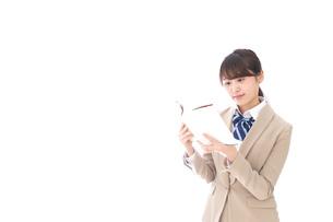 読書をする制服姿の学生の写真素材 [FYI04709508]