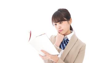 勉強をする学生の写真素材 [FYI04709517]