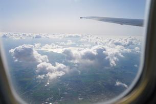 飛行機から眺める風景の写真素材 [FYI04709983]