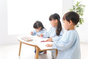 こども園・幼稚園・保育園の写真素材 [FYI04710290]