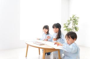 こども園・幼稚園・保育園の写真素材 [FYI04710327]
