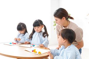 幼稚園の写真素材 [FYI04710401]