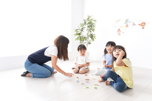 子供の英語教室の写真素材 [FYI04710485]