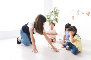 子供の英語教室の写真素材 [FYI04710491]