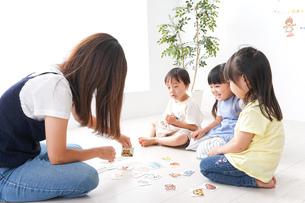 子供の英語教室の写真素材 [FYI04710503]