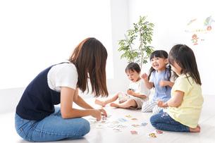 子供の英語教室の写真素材 [FYI04710508]