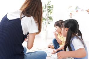 子供の英語教室の写真素材 [FYI04710528]