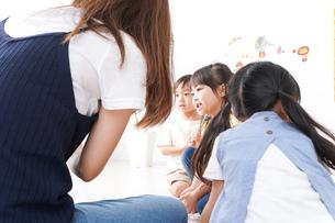 子供の英語教室の写真素材 [FYI04710530]