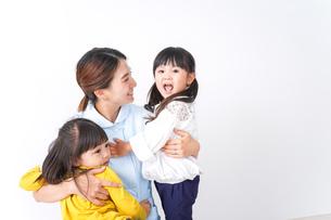 看護師と子どもの写真素材 [FYI04710908]