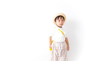 幼稚園に行く子供の写真素材 [FYI04710985]
