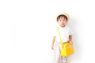 幼稚園に行く子供の写真素材 [FYI04710988]