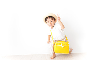 幼稚園児・入園の写真素材 [FYI04710994]