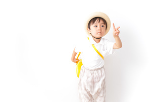 幼稚園に行く子供の写真素材 [FYI04710997]